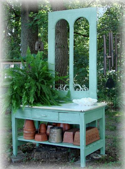 Jeanne Sammons's potting bench