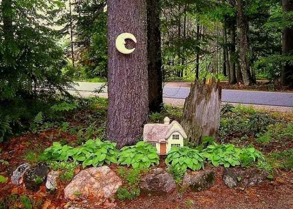 Di-Ellen Davenport fairy tree entry