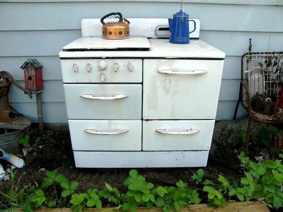 Barb Buckley's enamel 50s stove