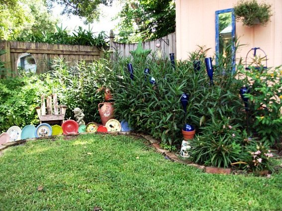 Garden Whimsies by Mary uses junkola as edging and punctuation