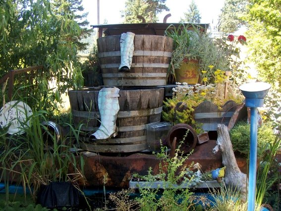 Julie Scherbarth's U-Neek Barrel fountain