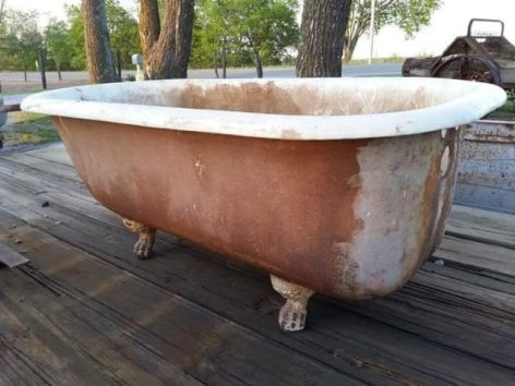 Tammy Lack's old decrepit tub, before