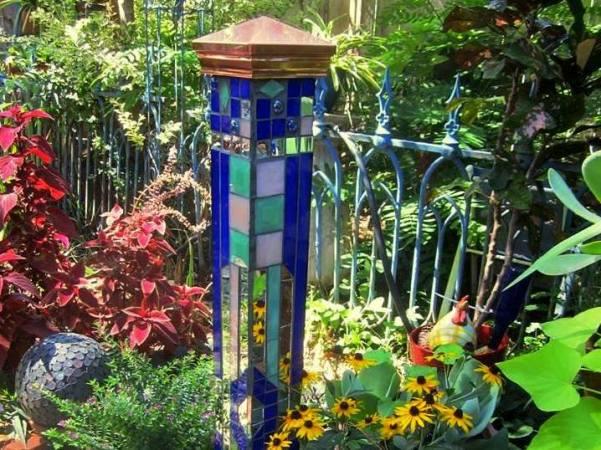 Sydney\'s sparkling blue garden mosaic | Flea Market Gardening