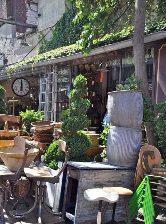 Flea market in Paris 34