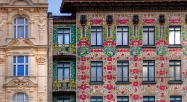 Majolica Haus am Vienna's flohmarkt