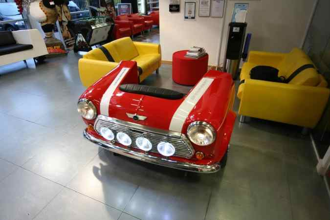 50 ideas to recycle an old car into a piece of furniture. Black Bedroom Furniture Sets. Home Design Ideas