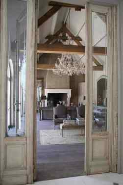French Provincial Decor - Chandelier lighting-001