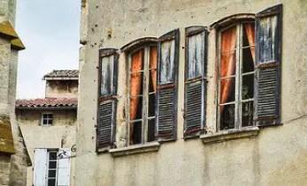 Kim - Orange curtains