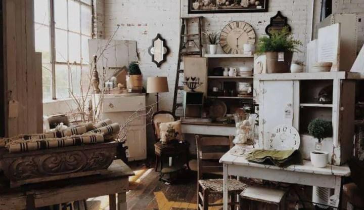Living Room With Flea Market Items Insiders TipsInterior And Design Last Updated January 6 2017