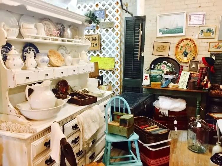 Best Flea Markets in Connecticut: Antiques on the Farmington©Antiques on the Farmington Website