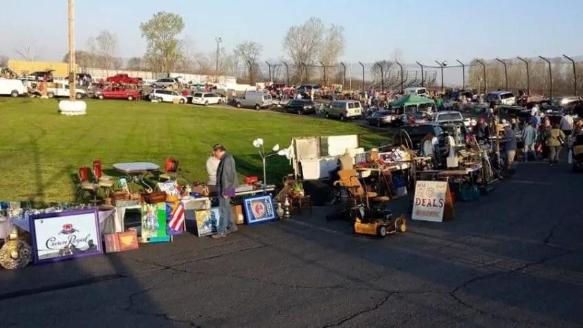 The Best Flea Markets In Michigan Flea Market Insiders - Usa flea market car show