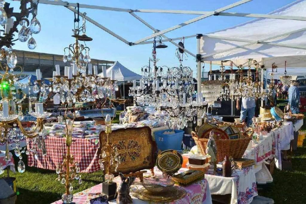 Elkkhorn Antique Flea Market photo by Elkkhorn Antique Flea Market 3