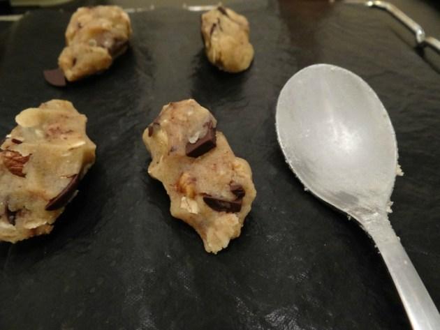 Délicieux biscuits céréales, miel, chocolat et noisettes - Fleanette's Kitchen