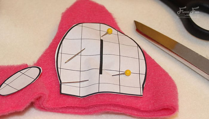 I love these cute (and warm) fleece hats. This free fleece hat tutorial is perfect! I bet my kid would wear it not just on Halloween, but all winter long! And there's a video tutorial - just what I need. Great easy sew diy idea.