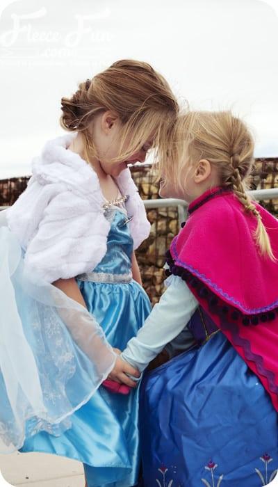 elsa and anna embrace