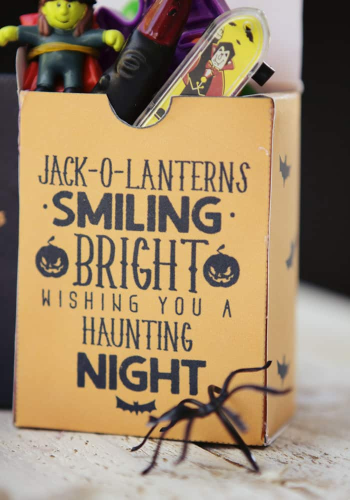 Love this FREE printable box - perfect for little Halloween treats. I also Like the idea of just fillinf it with fun toys instead of candy!