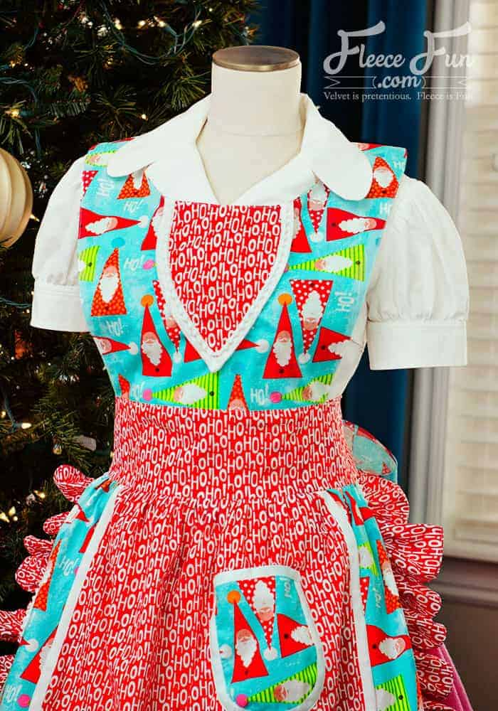 I love this Vintage Apron Pattern Free and tutorial. Perfect sewing project and a great handmade gift idea for women. I love the look of this cut apron pattern. Perfect Holiday idea.