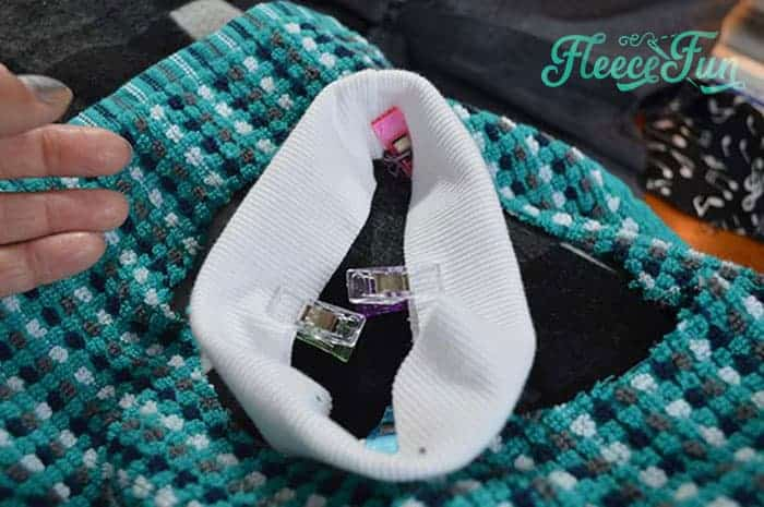 This Towel Bibs for Babies Bandana Style Ultimate DIY Tutorial shows you how quickly ( and cheaply) you can make adroble baby bibs that are cute and easily washable. Perfect for keeping baby tidy, this soft bib is sure to be a favorite. Great sewing project.