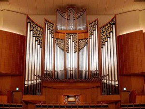 a main hall pipe organ in Kitara
