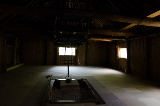 sapporo-ainu-culture-center2015-12