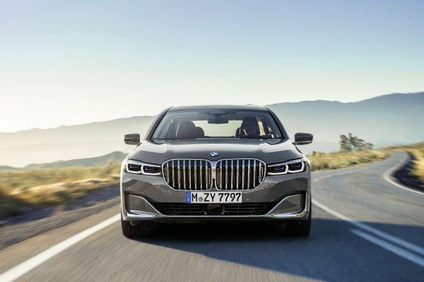 Anno nuovo look nuovo per l'ammiraglia BMW serie 7