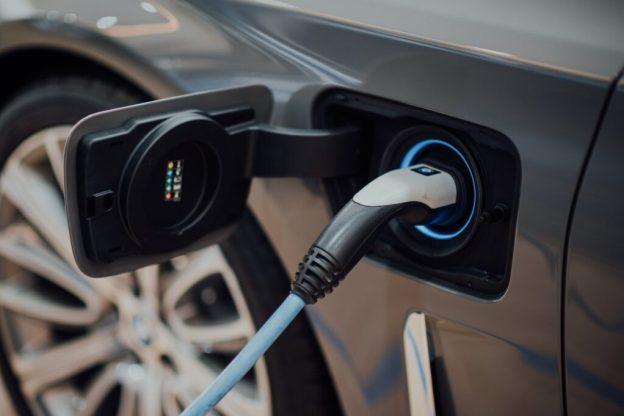 Business ricarica veicoli elettrici India
