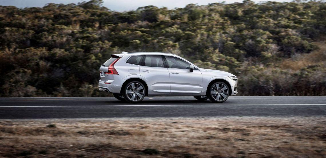 Nuova Volvo XC60 2020 su strada