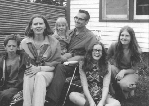 Flemming, June and children in 1971