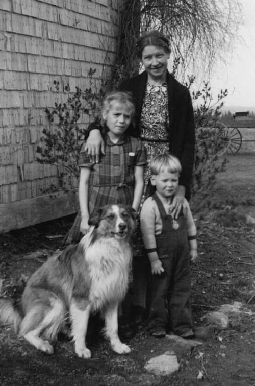 Magda with Anna and John