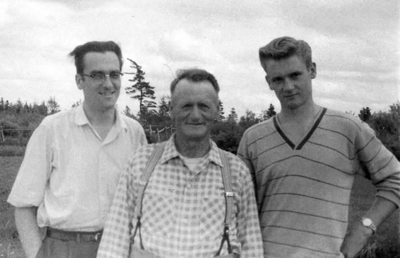 1959 - Viggo and his tall boys, Flemming & John