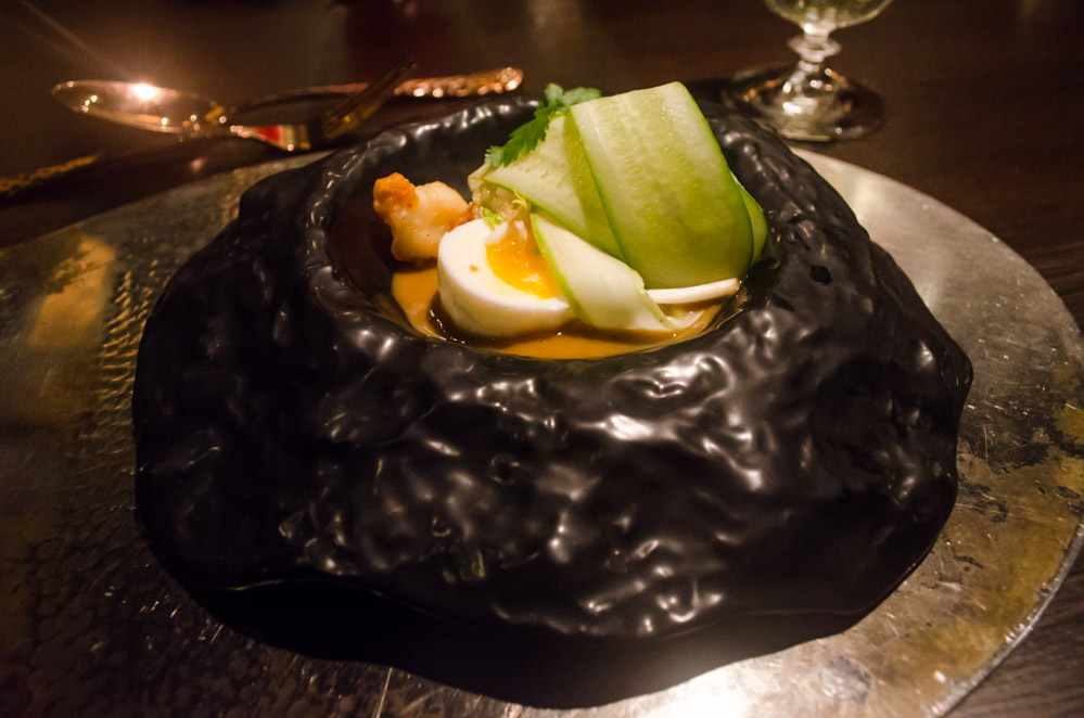fleurdelilah bo.lan michelin star restaurant in bangkok egg vegetables