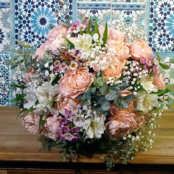 bouquet fleurs nommé demoiselle