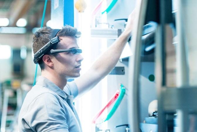 DataGlass Koenig & Bauer Flexotecnica 2019 FTA Technical Innovation Award close up