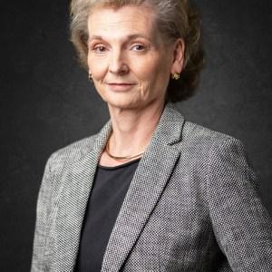 headshot Dr. Nikola Juhasz