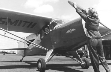 1950 Australian Women Pilots' Association (AWPA), incorporating the Women's Flying Club is formed (National Pioneer Women's Hall of Fame, 2001) Photo: Australian News and Information Bureau, National Library of Australia, vn5015547