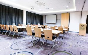 cheap flights from cape town to london september 2018 - hotel verde conference room