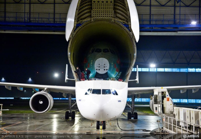 Airbus A350 XWB Static Test Frame arrives by Beluga Transporter
