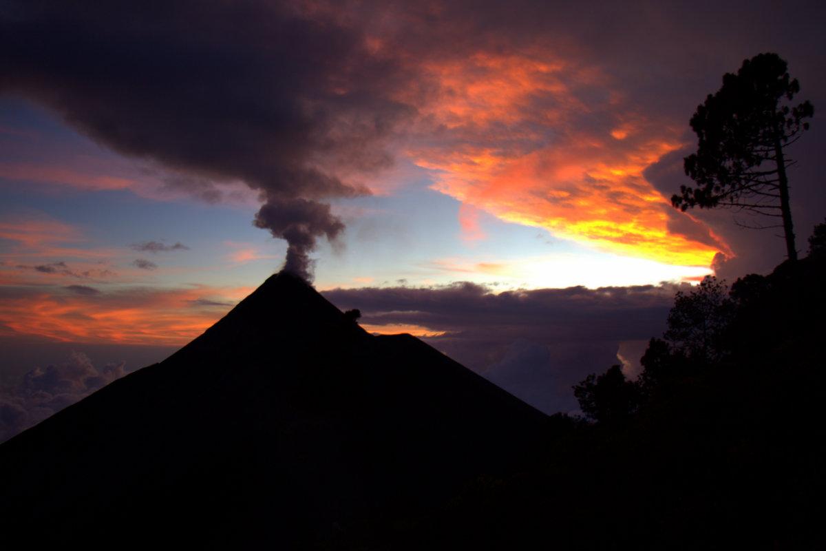 Erupting Vans And Volcanoes