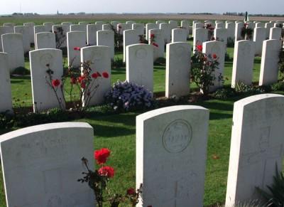 Delsaux-Farm-Cemetery-04