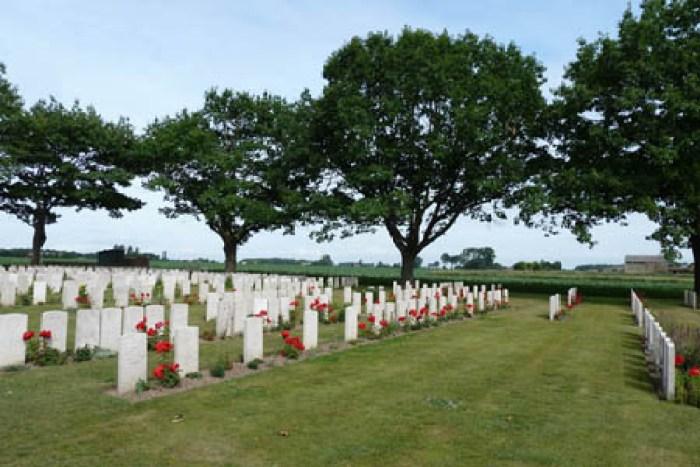 Photos of cemeteries in Belgium, NEA taken by Derek Parker, DDTS - June 2011: Bard Cottage Cemetery