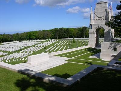 etaples military cemetery1