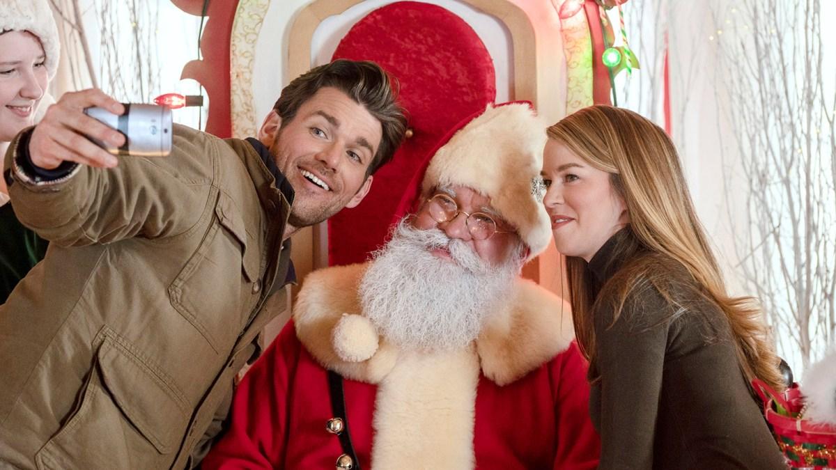 Christmas Scavenger Hunt Hallmark movie