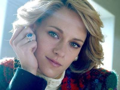Kristen Stewart as Diana Spencer