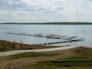 Floe Docks-Sante-Lake-AB-CAN