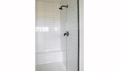 2000-sm-shower-2