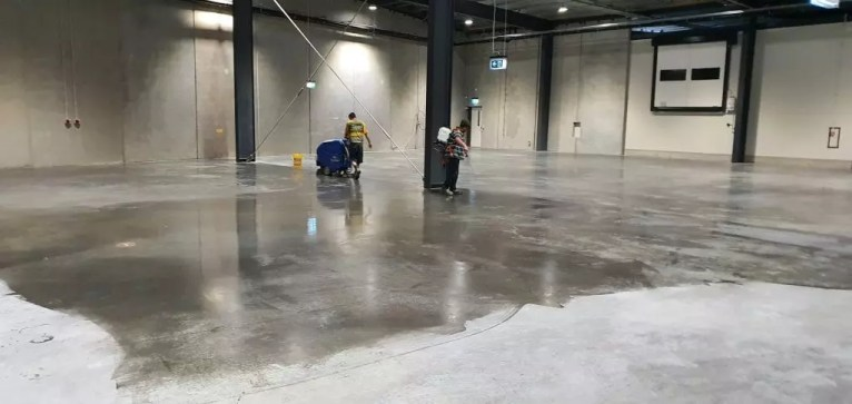 Concrete Densifying - chemical hardening and dustproofing