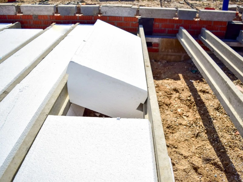 Thermally efficient EPS flooring installation