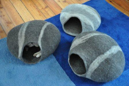 cat-cave Pebble Stones