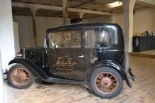 Kulisse im Heynstudio: Ein Austin Seven von 1934