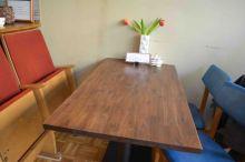 Einer der neuen Tische